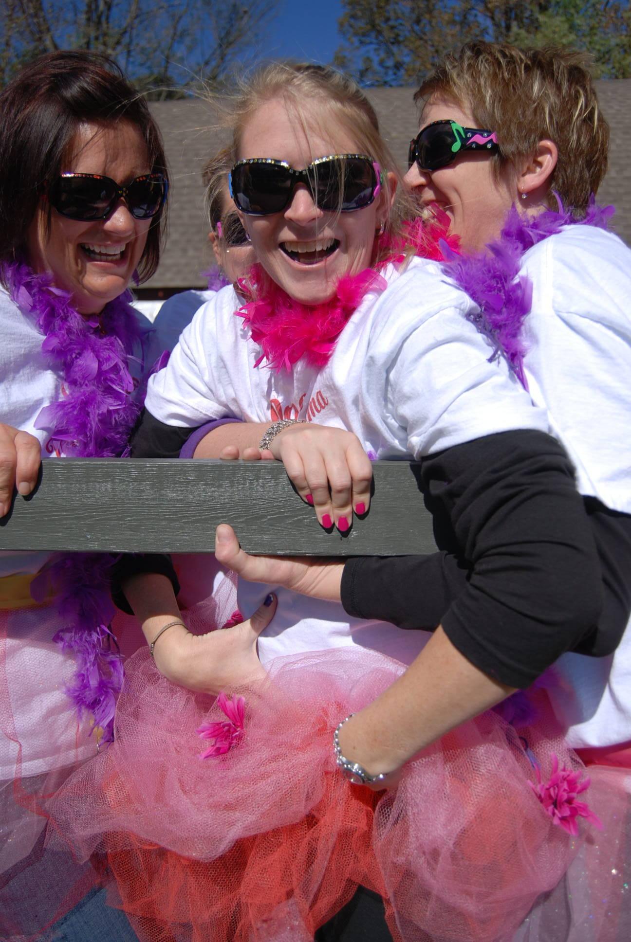 pink net girls.JPG