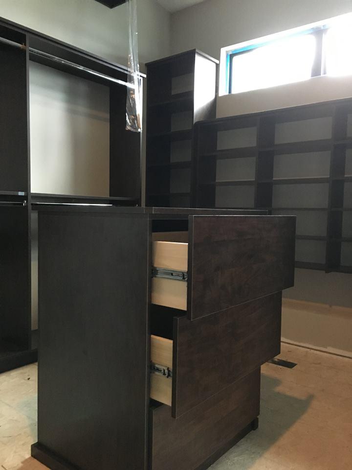 Closet 14.jpg