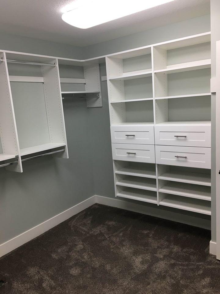 Closet 17.jpg