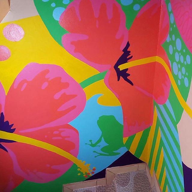 #Repost @judithmayercreative ・・・ All about my residency in Costa Rica on my blog. This mural was painted during my stay ...judithmayer.com/blog/costarica  #muralart #mural #publicart #womenofillustration #womeninillustration #floralillustration #tropicalillustration #artistresidency #mauserecohouse #costarica #puravida