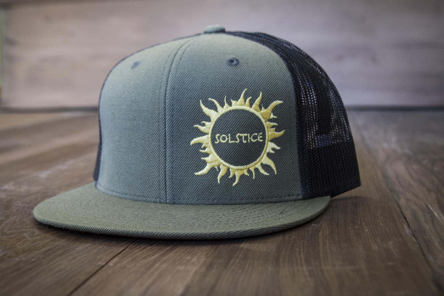 Solstice Snap-Back Flat-Bill Trucker Hat (Green)