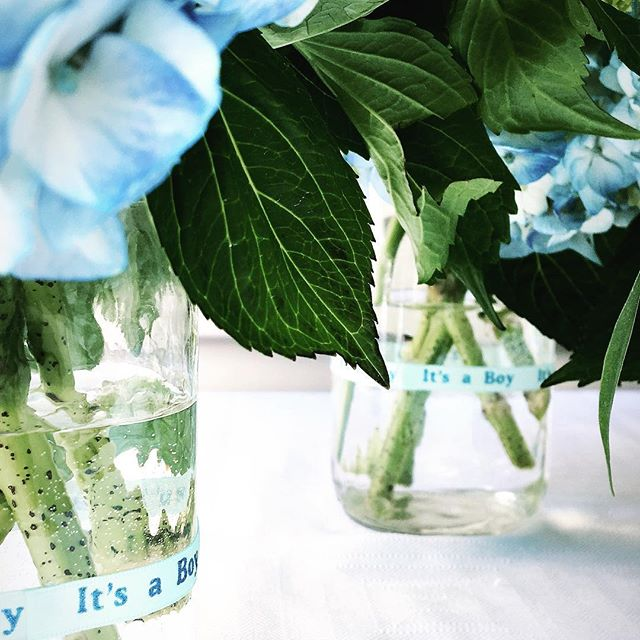 Summery blooms for a sweet mommy to be!! #babyshower #babyshowerinspo #hydrangeas #babyboy #popsofblue #rslove #everydayibt