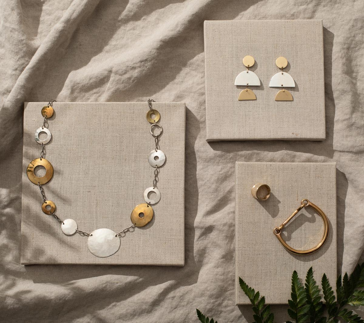 Jewelry-linen-hard-light-product-stylist-jesica-kurashima.jpg