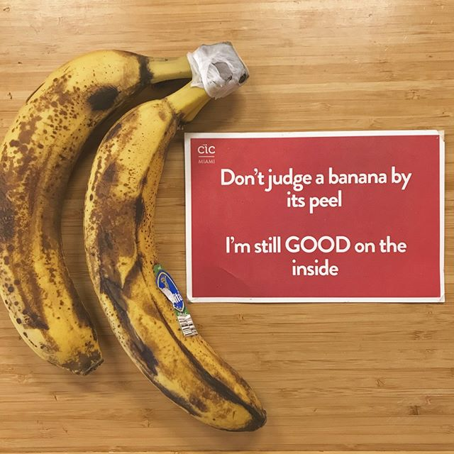 We promise...all our bananas are a-peeling! 🍌😆 Don't SLIP up by judging them for their brown spots. (They make for good banana bread. 🍞) . . . #CICMiami #BananaBread #IsLife #DontJudgeaBook #ByItsCover