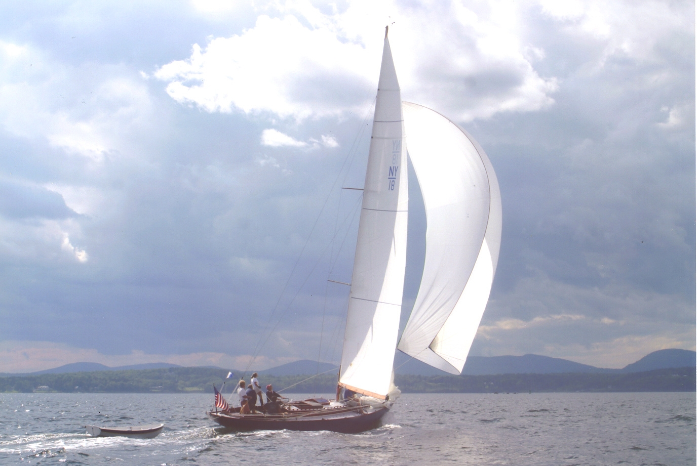 "Marconi mainsail and spinnaker for NY32 ""Cassidy"""