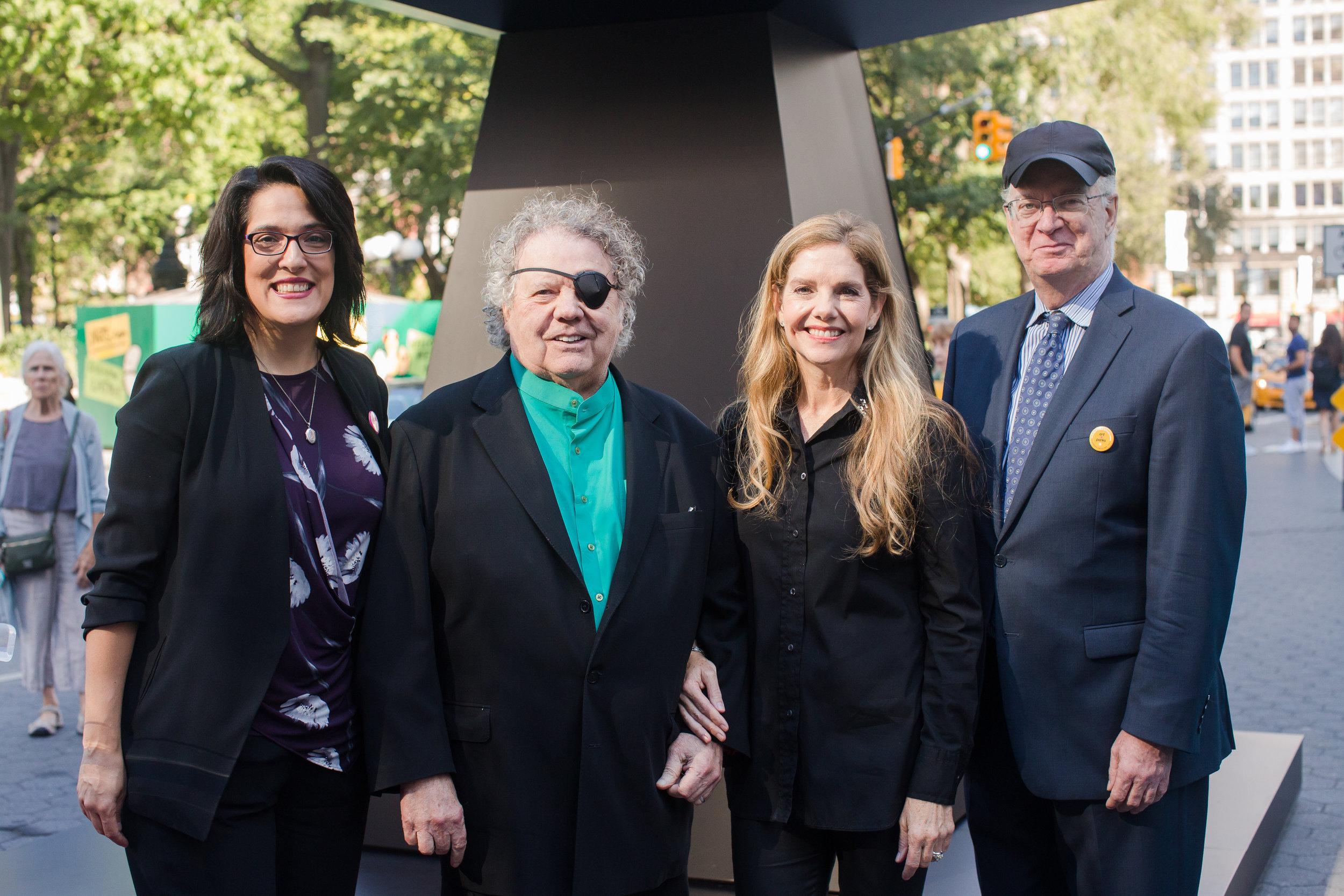 Union Square Partnership Executive Director Jennifer Falk, Dale Chihuly, Leslie Jackson Chihuly, NYC Parks Commissioner William Castro.