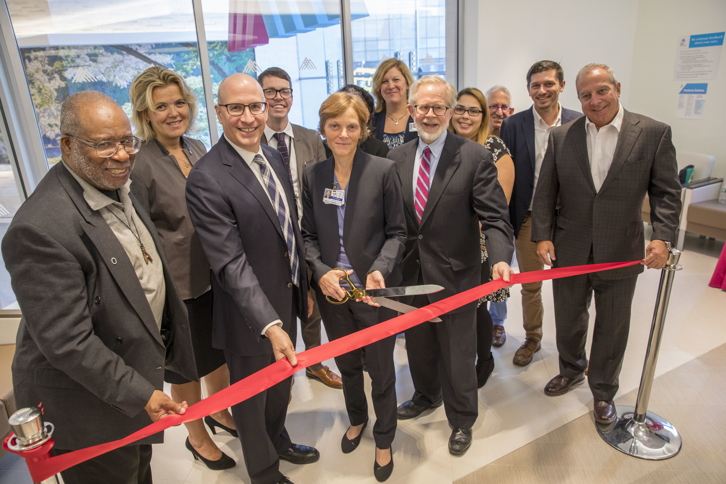 USP joined Mount Sinai health professionals to cut the ribbon on their new Urgent Care Center.