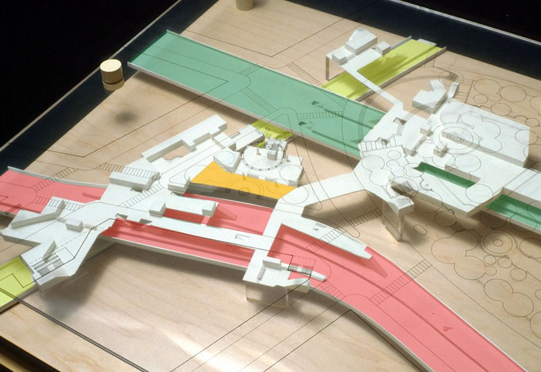 Architectural model of three converging subway lines at Union Square-14th Street. Image source:Lee Harris Pomeroy Architects