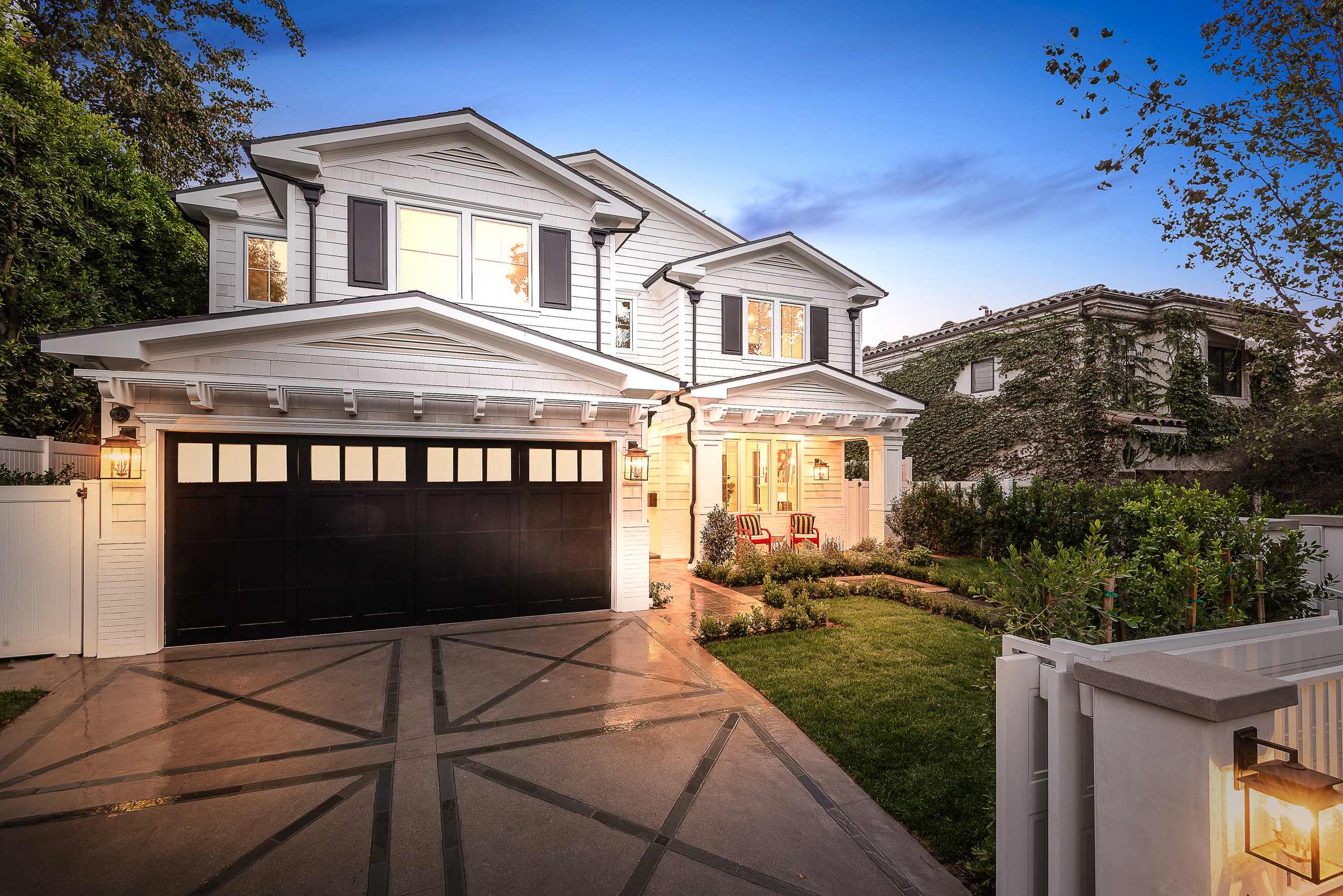 WOODBRIDGE | TOLUCA LAKE   Custom designed New Construction home in prestigious Toluca Lake with over 5300 sq. ft. of warmth and style. Perfect for industry or celebrity clientele. Exquisite finishes throughout entire home with great attention to detail, quality and craftsmanship.