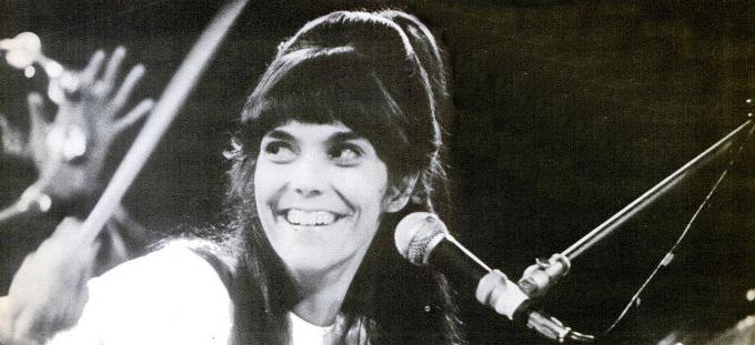 Die junge Karen Carpenter am Schlagzeug