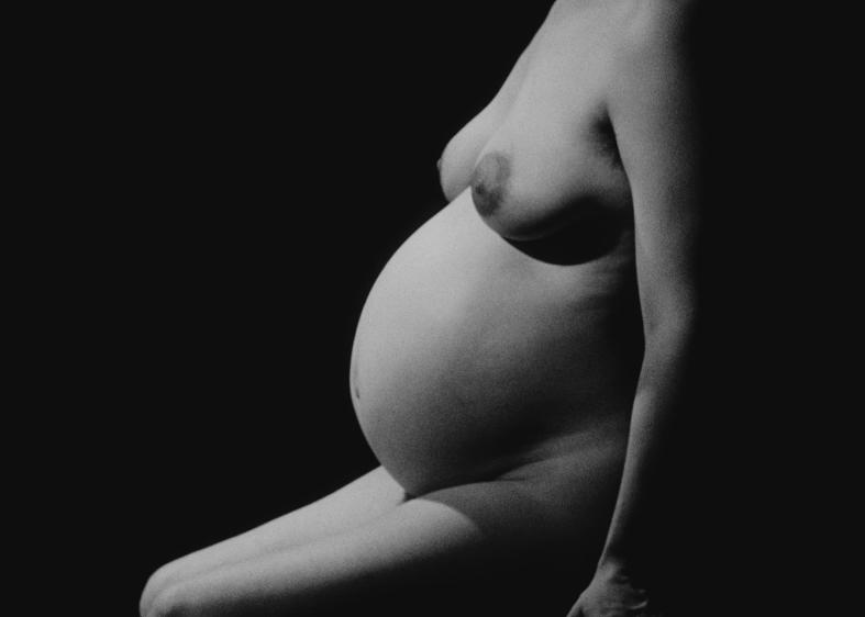 """Schwangerschaft uncensored. Szene aus """"L'Opéra Mouffe"""""""