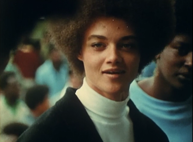 "Kathleen Cleaver stellt klar: Black is Beautiful. Aus dem Dokumentarfilm ""Black Panthers"""