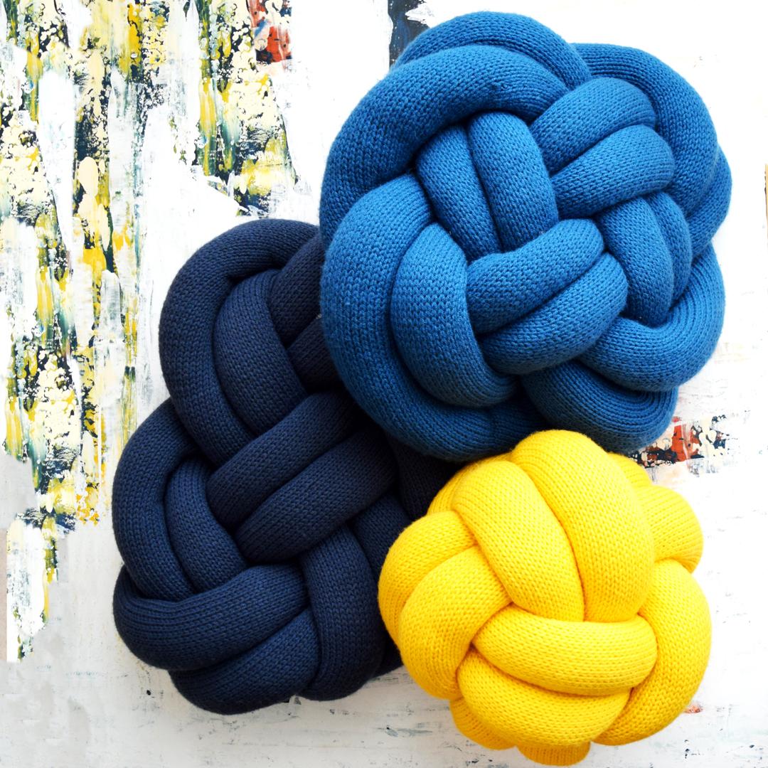 2019007 Knit Knot Pillows Midknits