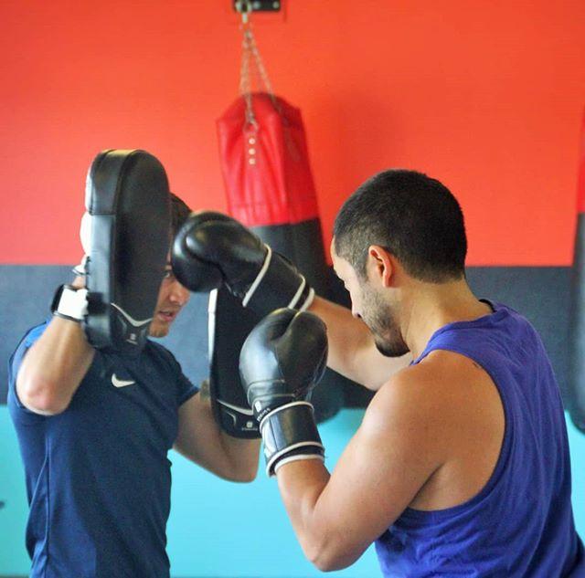 🥊⚡️ Boxing ⚡️🥊 Aujourd'hui, 2 cours de cardio Boxing sont programmés à la salle avec nos 2 coachs ! Un bon moyen de se défouler 💥  Les horaires sont sur les plannings, on t'attend motivé 💪  #BoostFitness #Fitness #Chelles #Sport #Boxing #CardioBoxing #SummerBody #Motivation