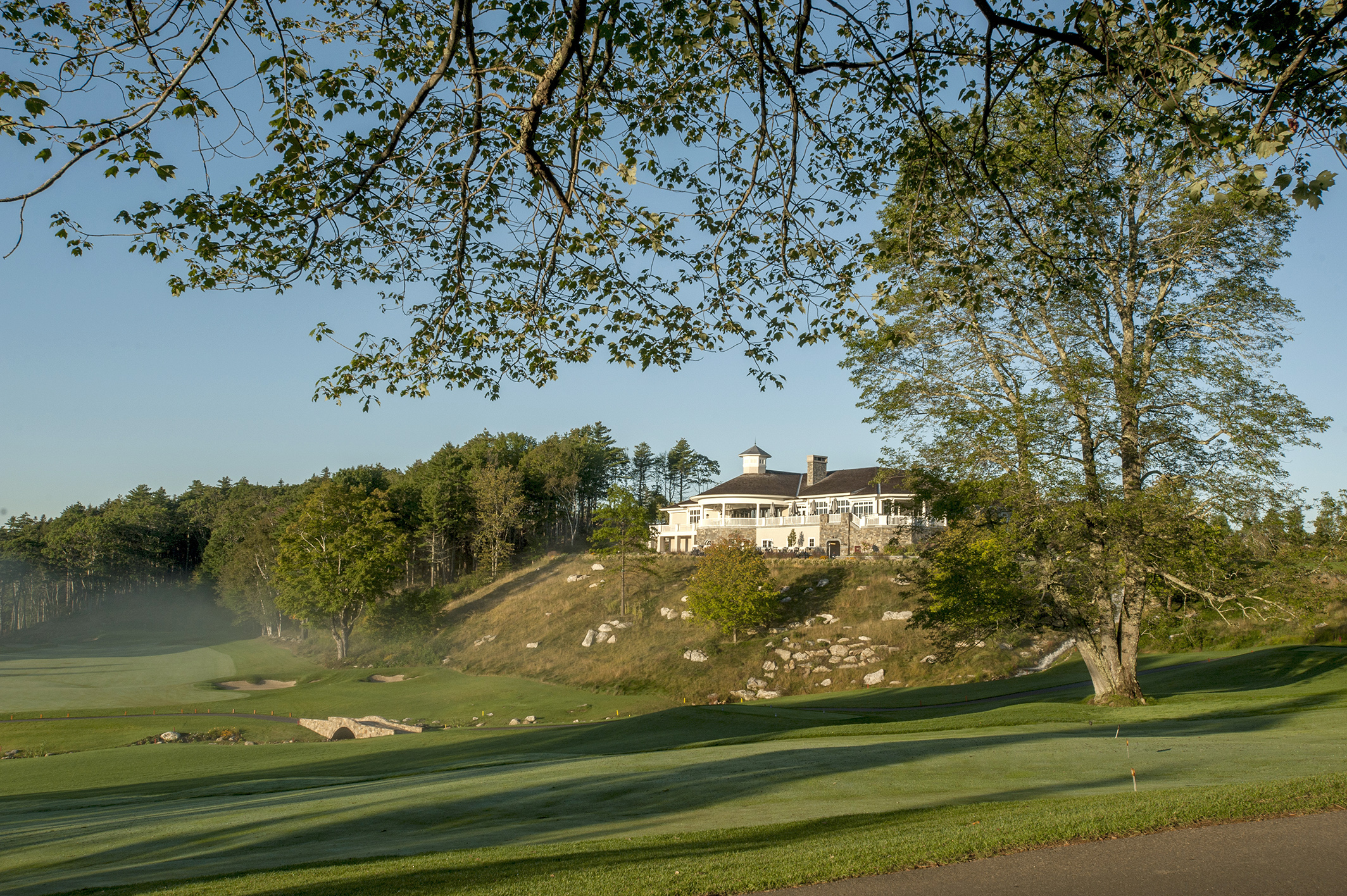 170907_BoothbayCC_ClubScenes_196 clubhouse morn web.jpg