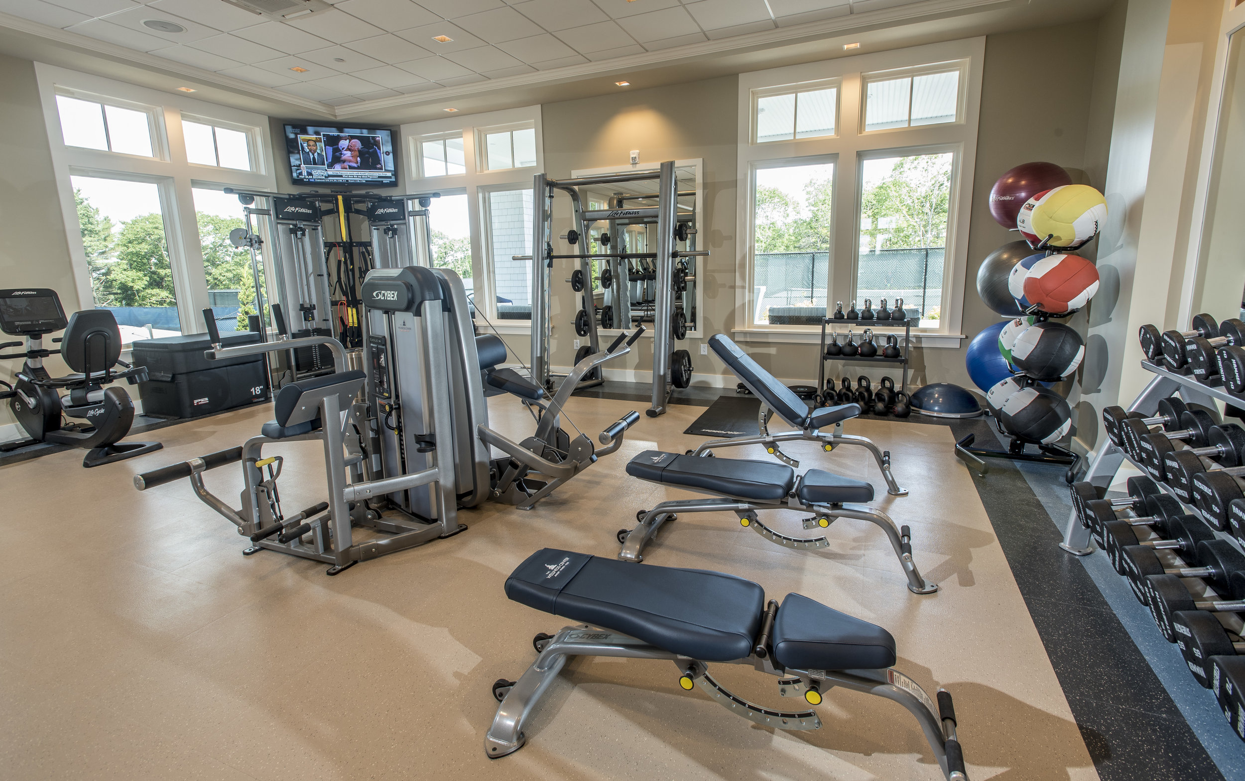 1,800 square foot fitness room