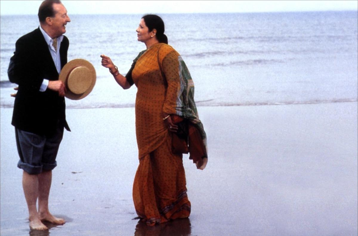 bhaji-on-the-beach-01-g.jpg