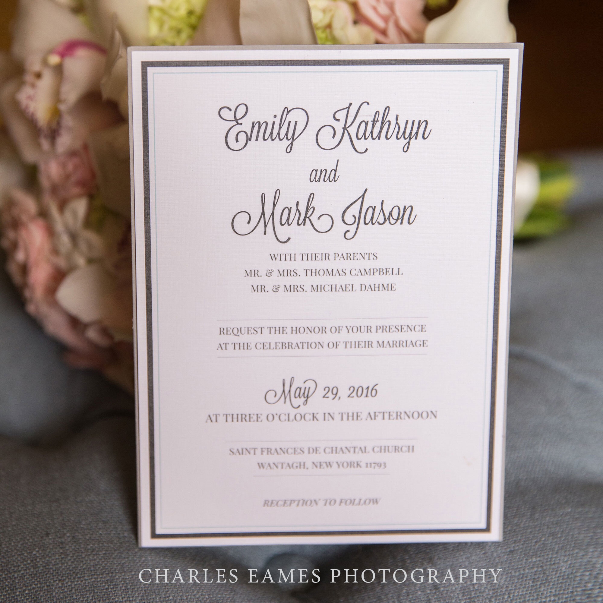 robedeedesign-weddinginvitation-captainbills-bayshore-charleseamesphotography.jpg