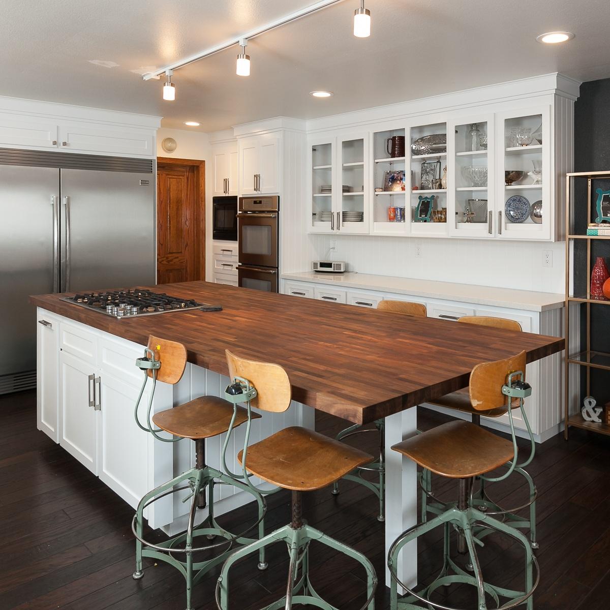 Songbird Residence - MID CENTURY MODERN KITCHEN, DINING ROOM, & LIVING ROOM Remodel