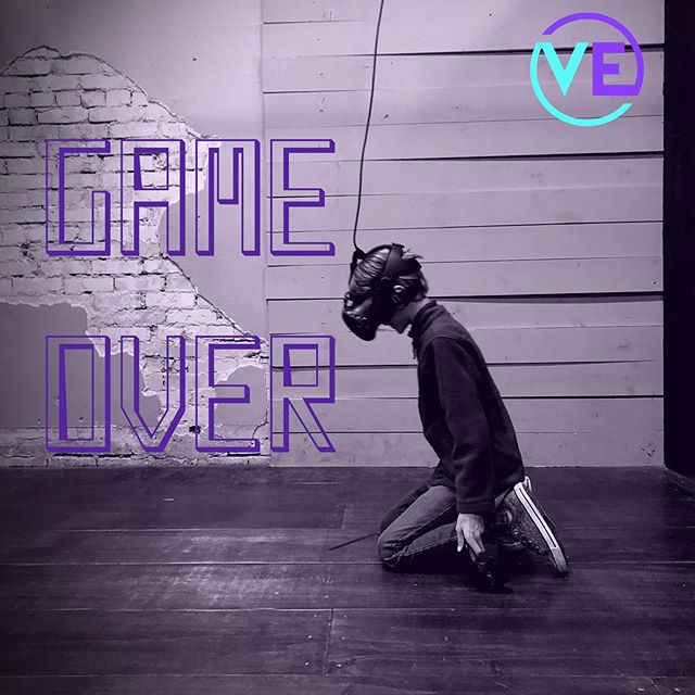 Hurry in and play before school starts again!! . #vearcade #virtualreality #vr #neonnight #virtualexperience #downtownprovo #uvu #byu #provo #utahvalley #weekend #centerstreetprovo #datenight #experience #thingstodo #utahactivities #summer #schoolsout #backtoschool