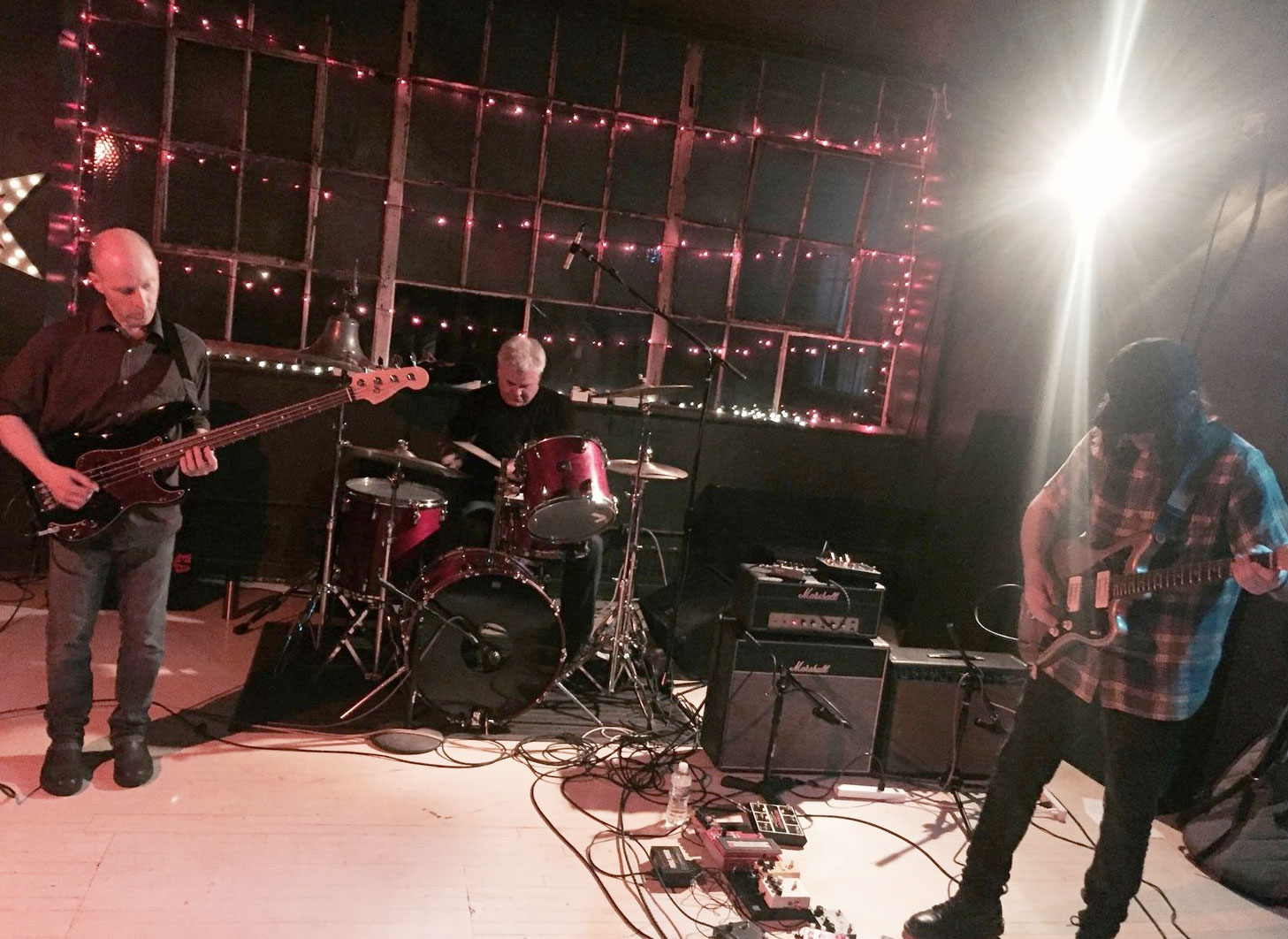 The Messthetics live at Survival Kit in Cleveland, Ohio. Photo: Aaron Rogers