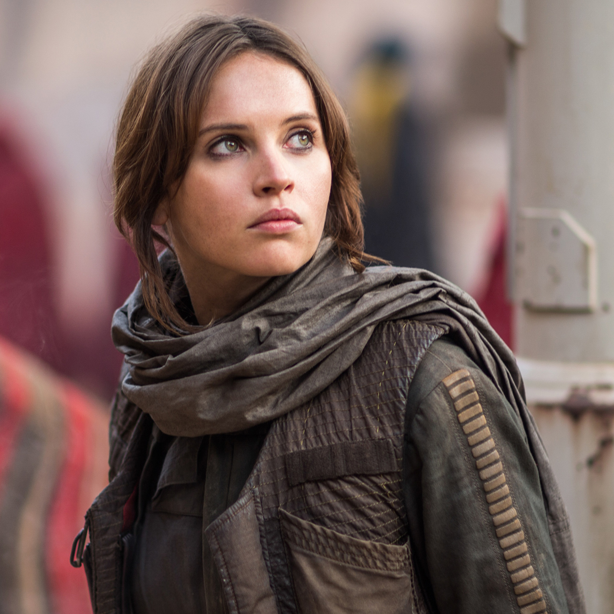 What's on Jyn Erso's top shelf?
