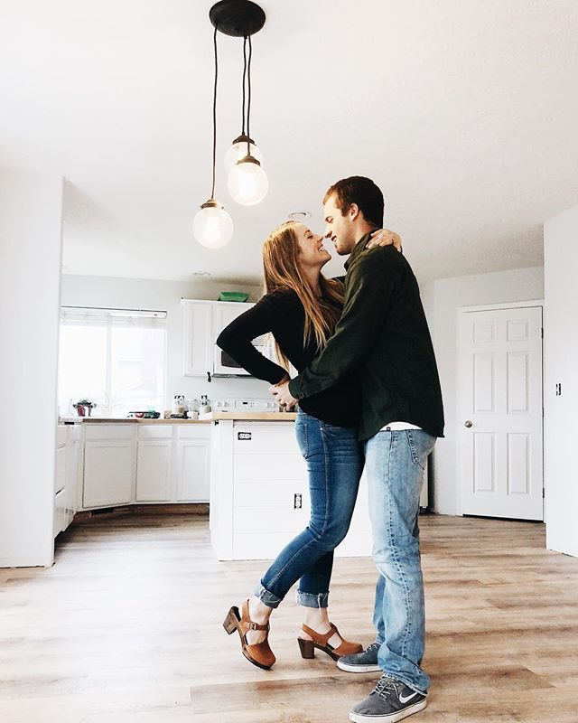 Hot diggity dog, I get to dance with this guy in this kitchen every day 💃 • • Check out the before and after pictures in our stories to see why we're so excited 😅 Also it's amazing what a difference lighting can make - thank you @lampgoods for the perfect light for this space, we love it!