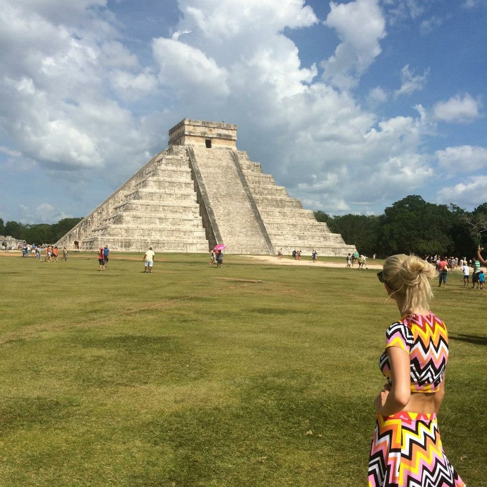 Travel Blogger Katy Johnson in Mexico.