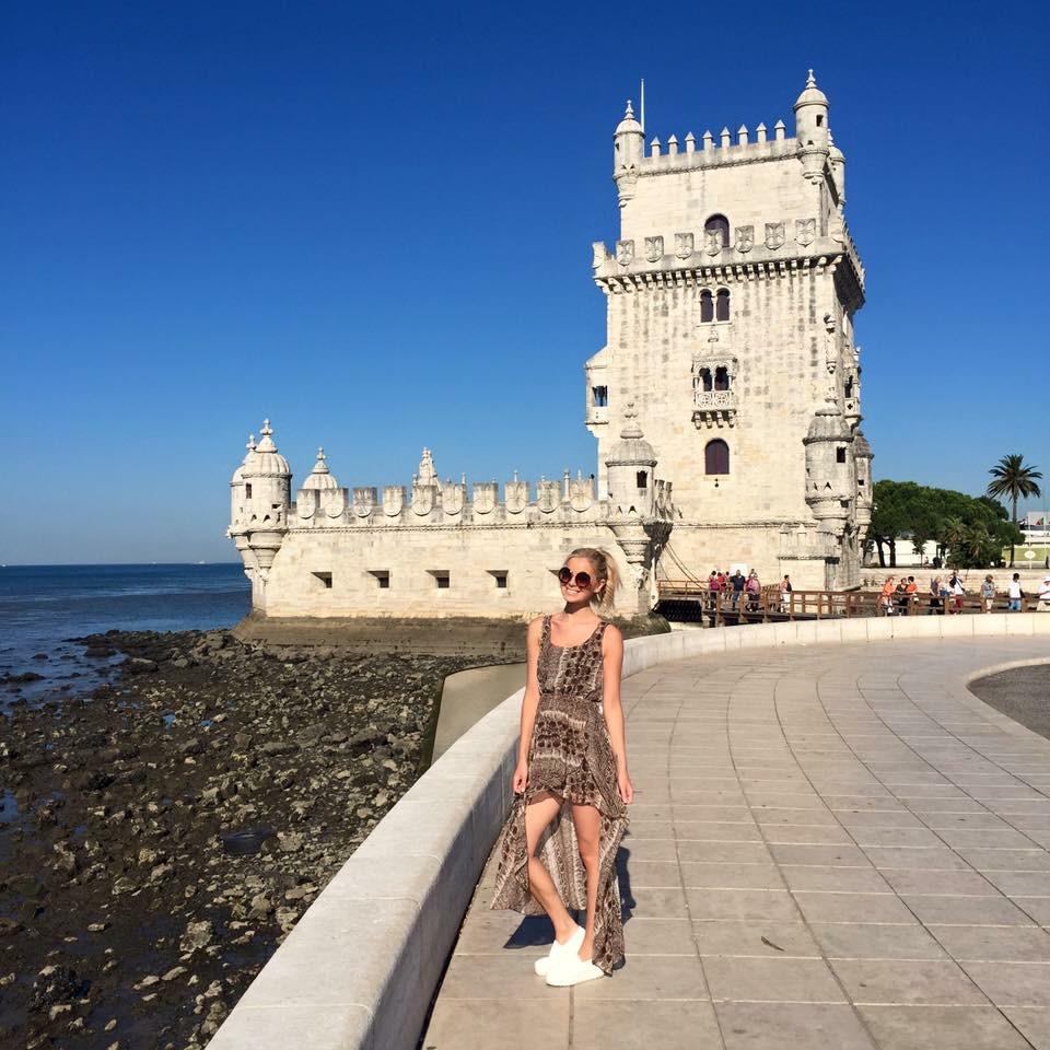 Travel Blogger Katy Johnson visits castle on the coast