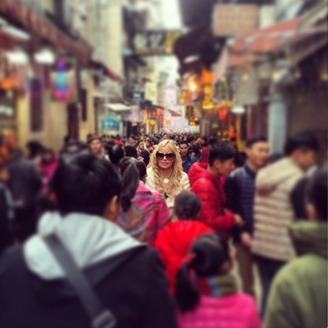Travel Blogger Katy Johnson stands out amongst the crowds in Bangkok.