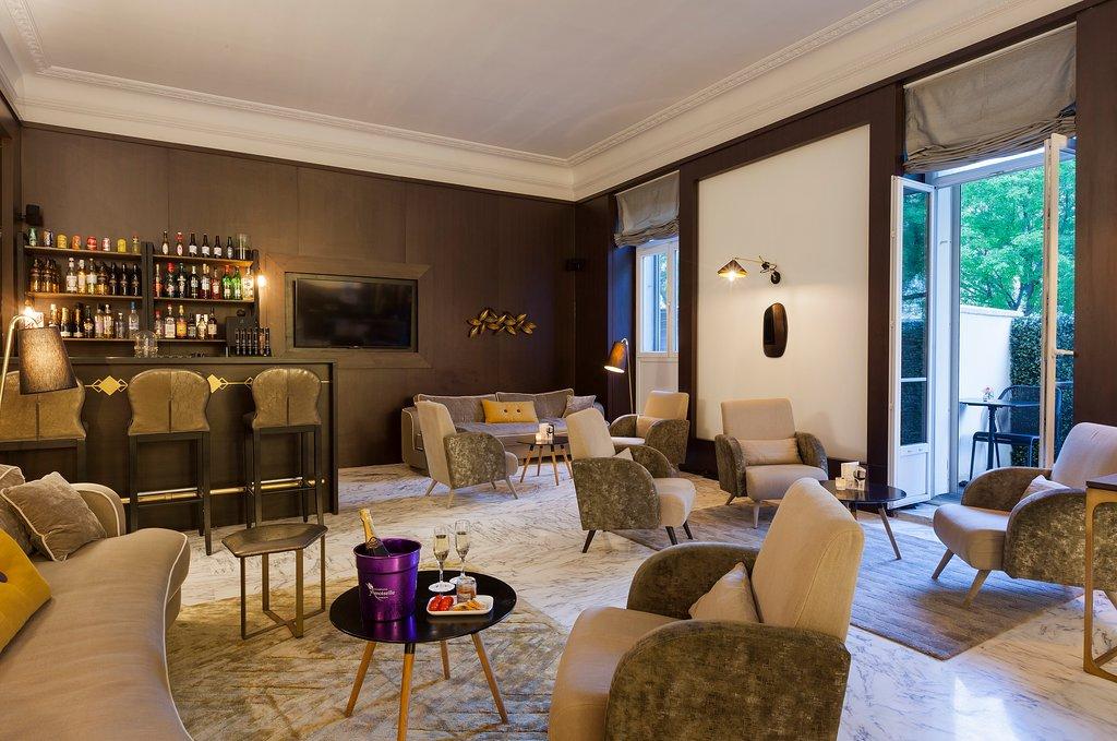 bar-lobby.jpg