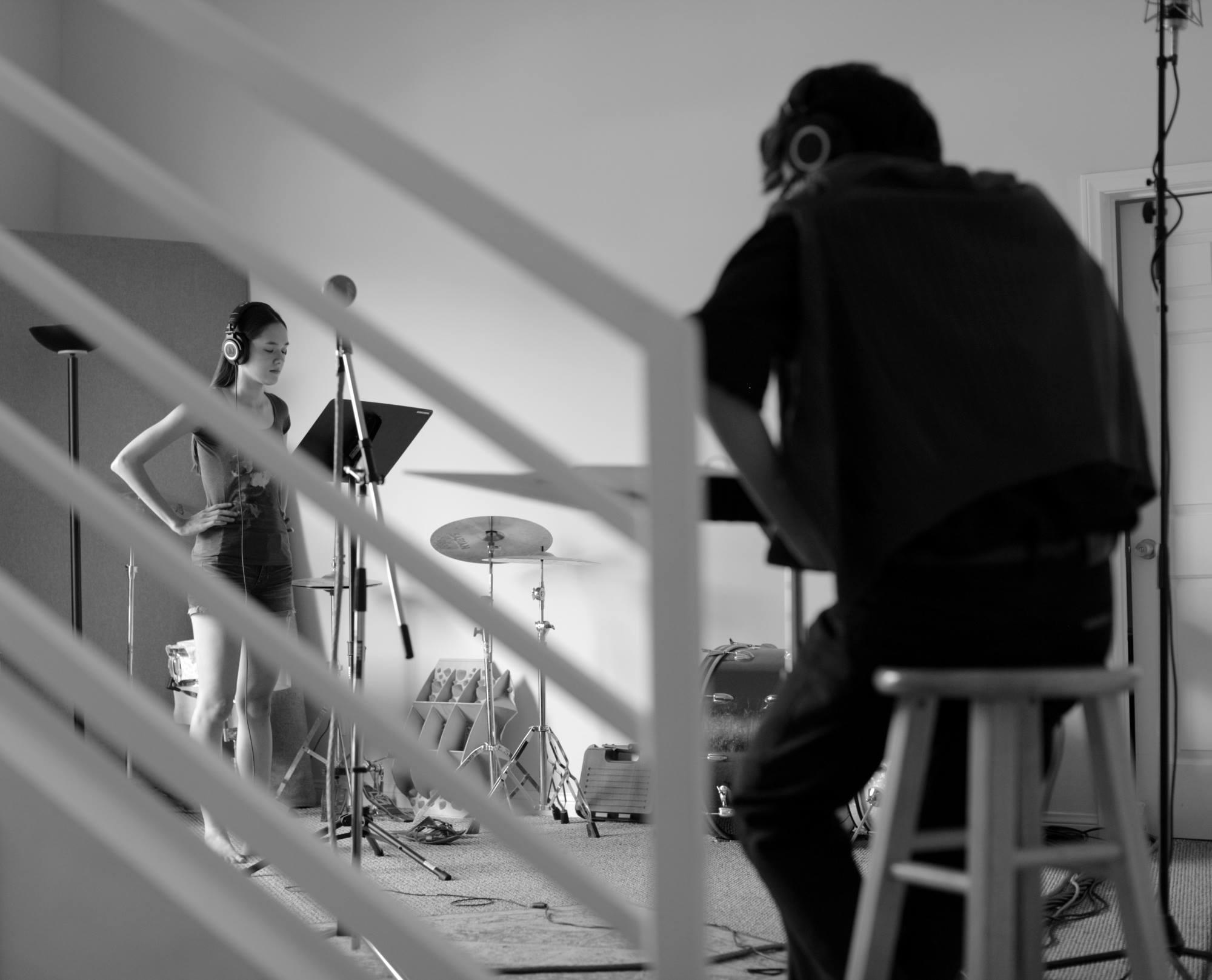 Recording with composer S. Peace Nistades (© Benjamin Gabriel)