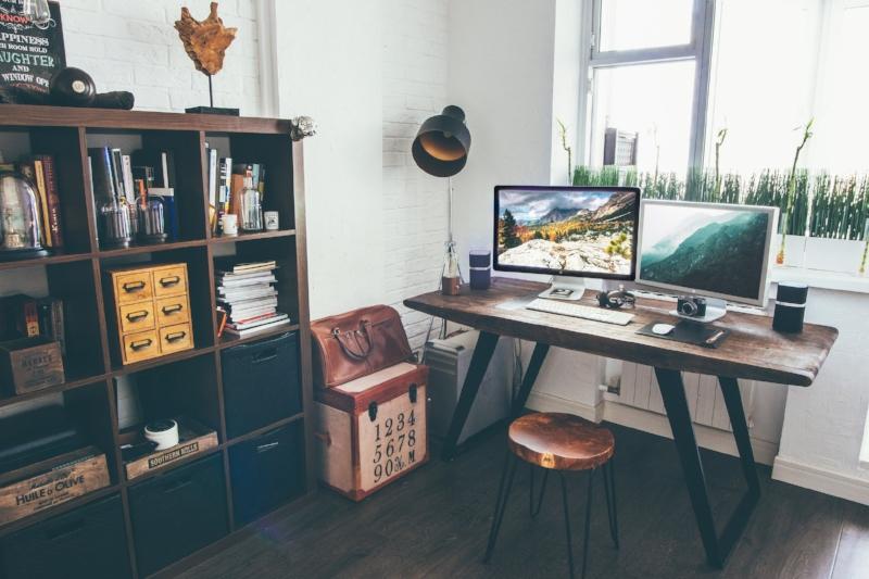 copywriter-desk-workspace