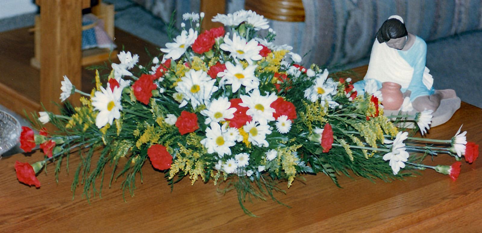 event arrangement - fresh flowers