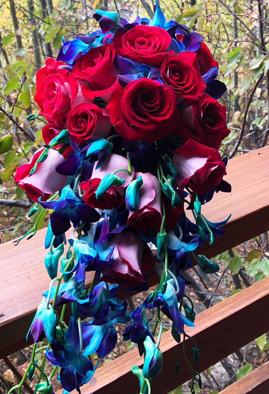 bride_cascade_bouquet-web_Kayla.jpg