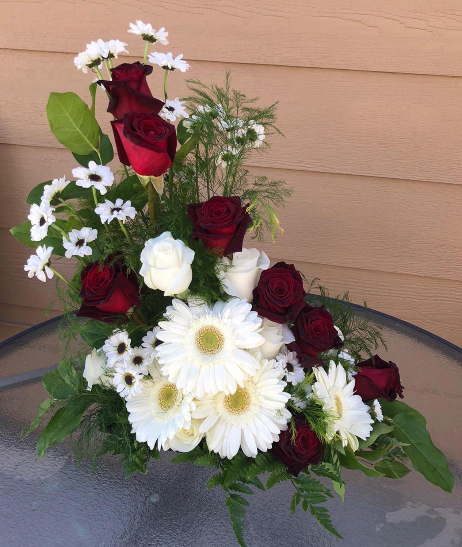 photo arrangement from family - fresh flowers