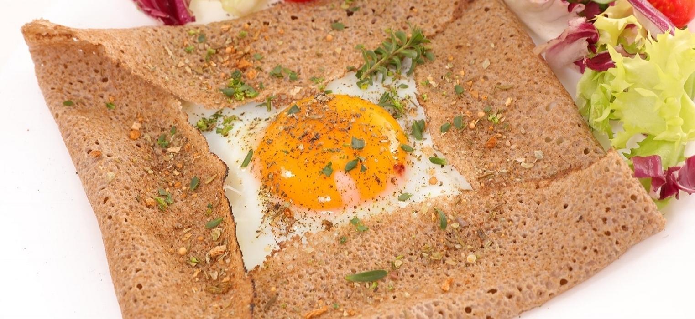 Crêpe Complète (egg, ham, gruyere cheese)