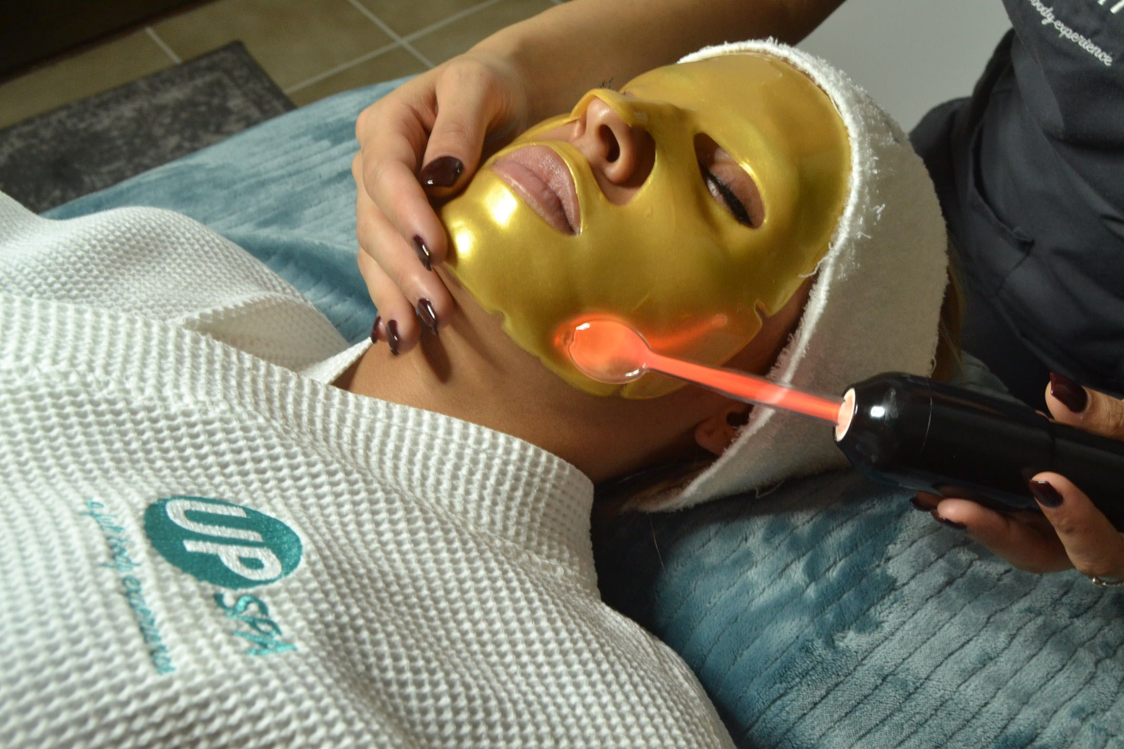 "Treat Yourself BEST! 25% off ANY Full Facial or ""Heal Her UP"" Vagacial! - Cyber Week Only! Offer Ends 12/1/18"
