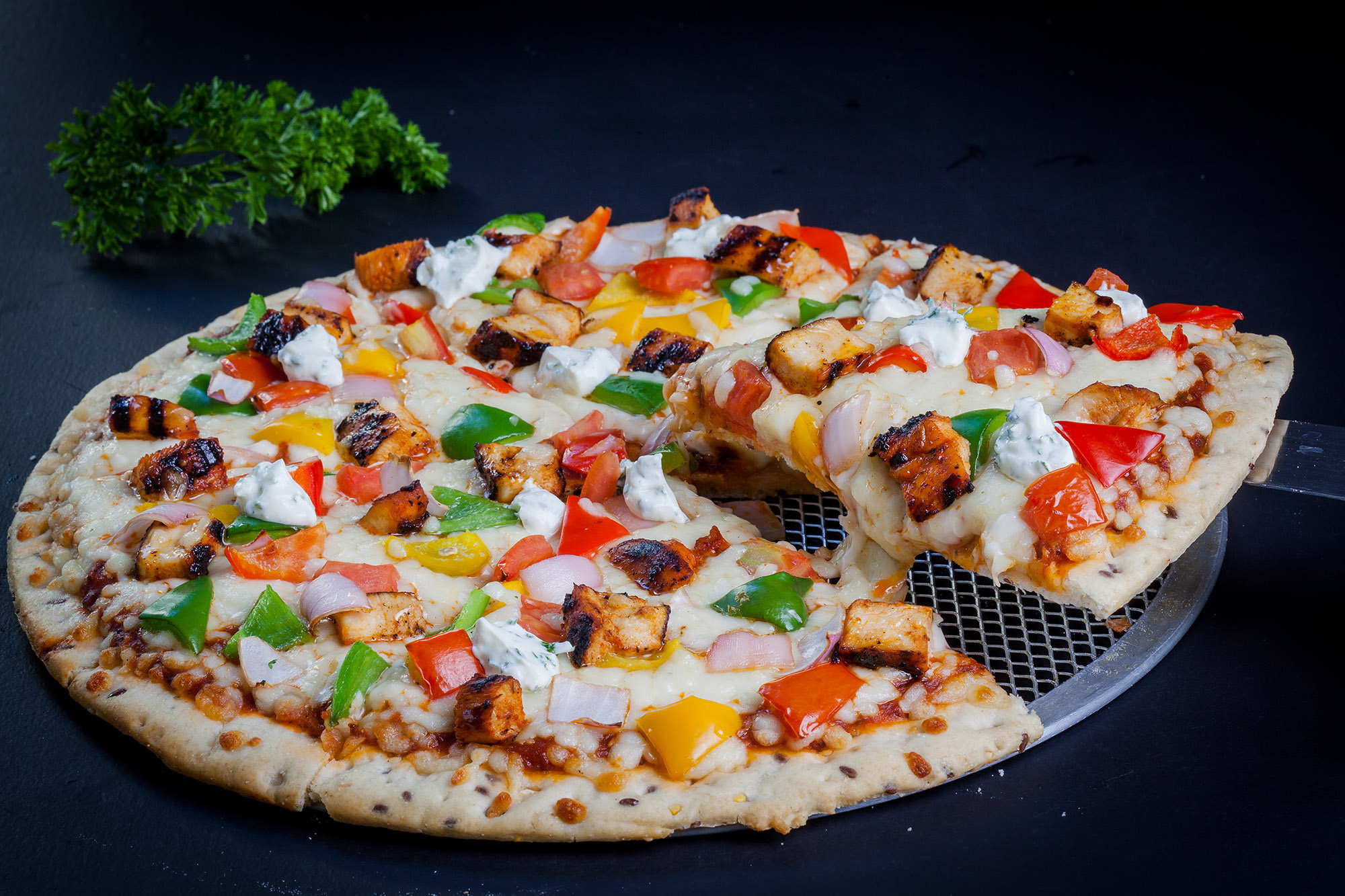 Fresh Toppings - We take pride in our fresh, herbaceous, juicy and generous toppings. FreshMenu pizzas come loaded with toppings. The quality of toppings make a whole lot of difference, we understand.