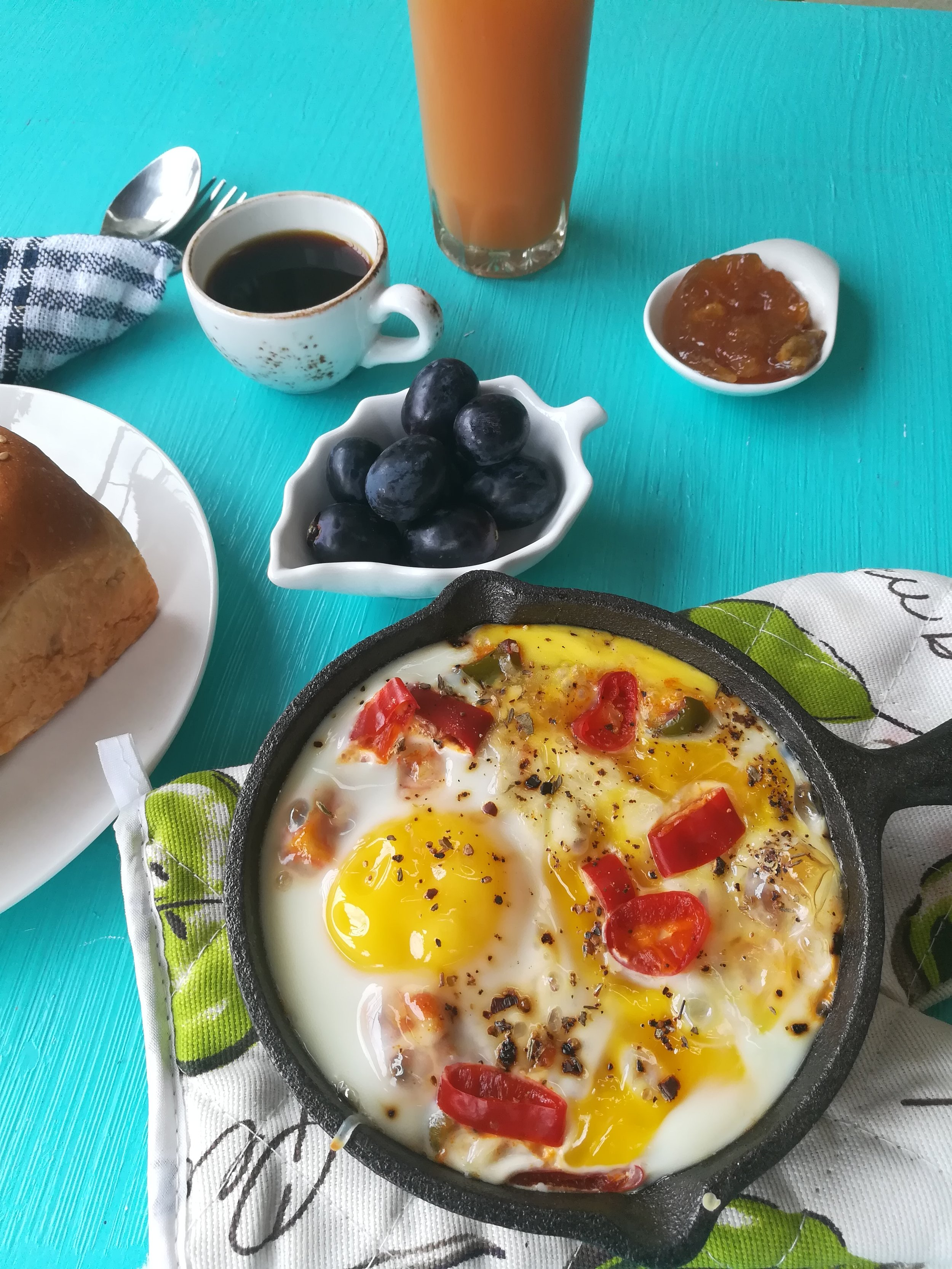 Shakshuka Recipe - A perfect breakfast for a perfect day...