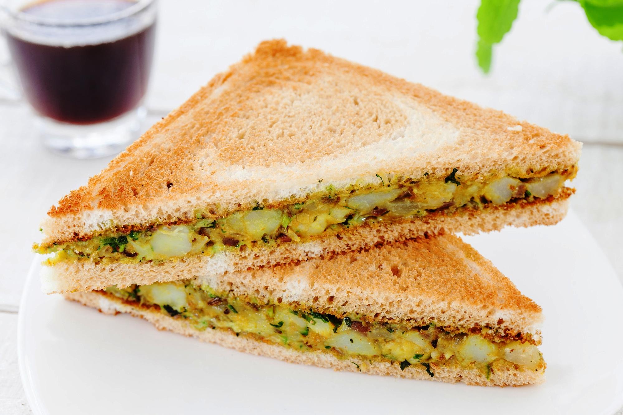 _18FM00674_Aloo Chutney Sandwich (Veg).jpg