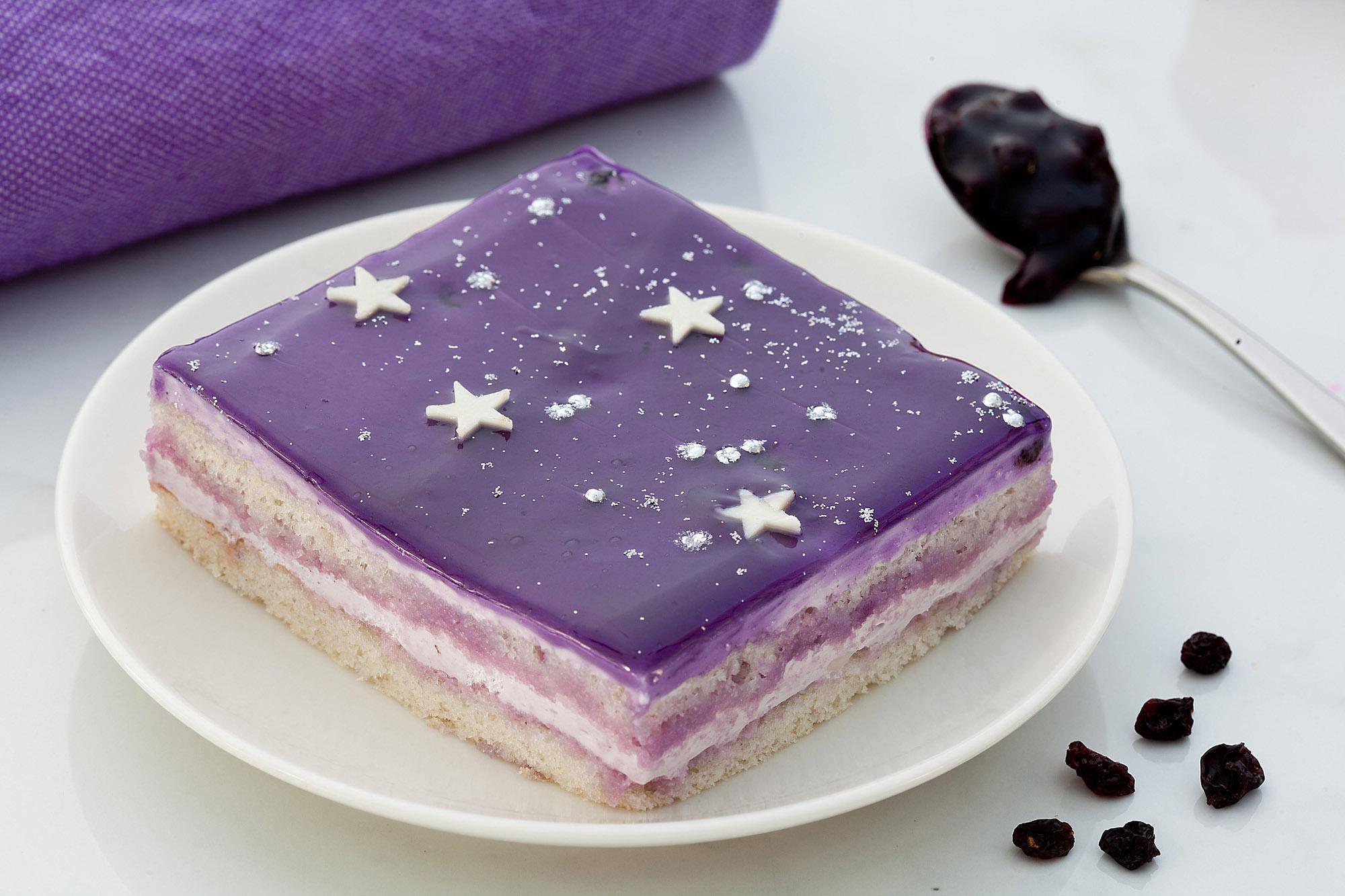 _18FMIMG_4266_Blueberry Galaxy Pastry.JPG