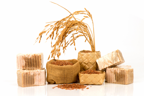 Anti-Inflammatory Properties -        Whole grains, including brown rice, have recently been shown to be as                antioxidant-rich as many fruits and vegetables.                  Antioxidants are known to function as anti-inflammatories that can help      with everything from arthritis to asthma.