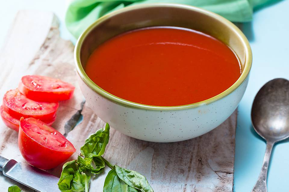 tomato basil soup.jpg