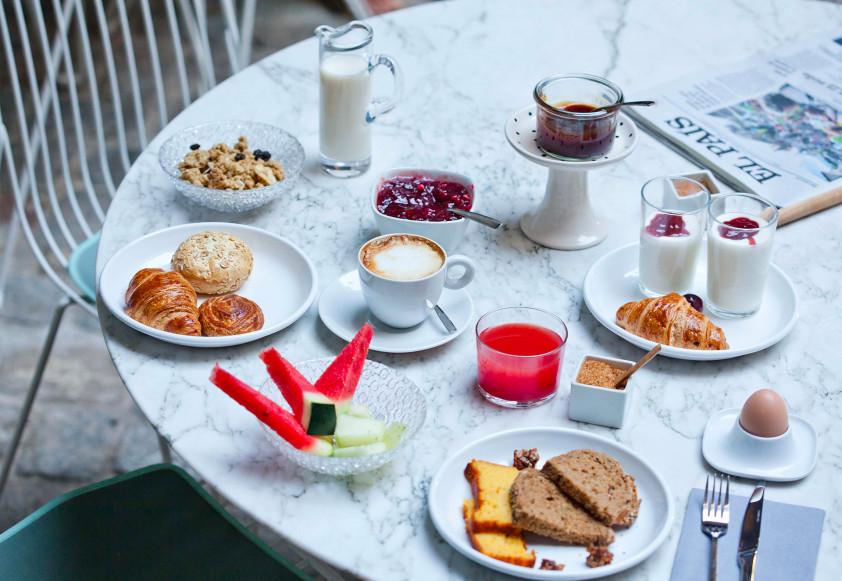Hotel-Brummell_breakfast-842x581.jpg