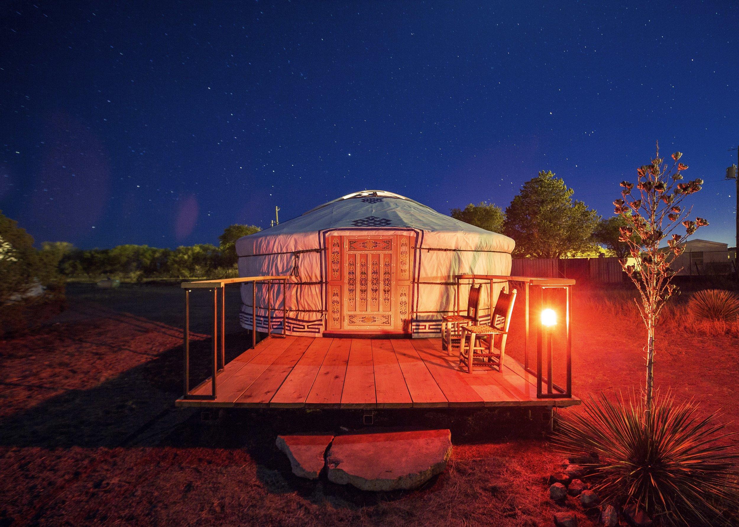 El Comisco - Yurt Exterior - Nick Simonite.jpg