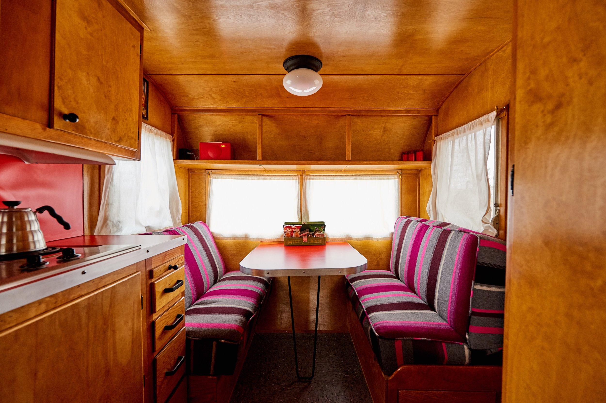 El Cosmico - Little Pinky interior 01 - Nick Simonite .jpg