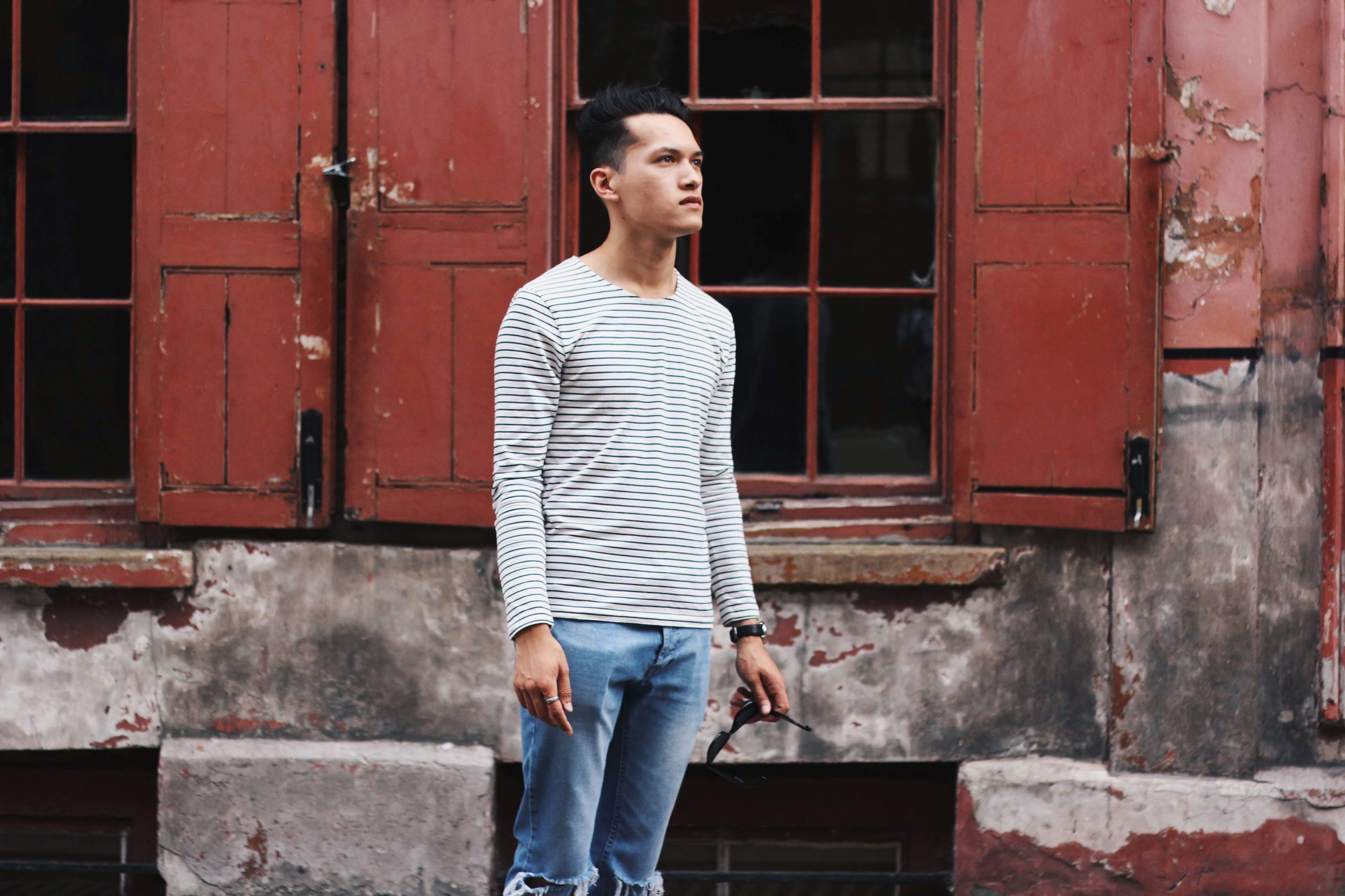 Jordan_Bunker_stripey_tees_ripped_jeans_1.jpg