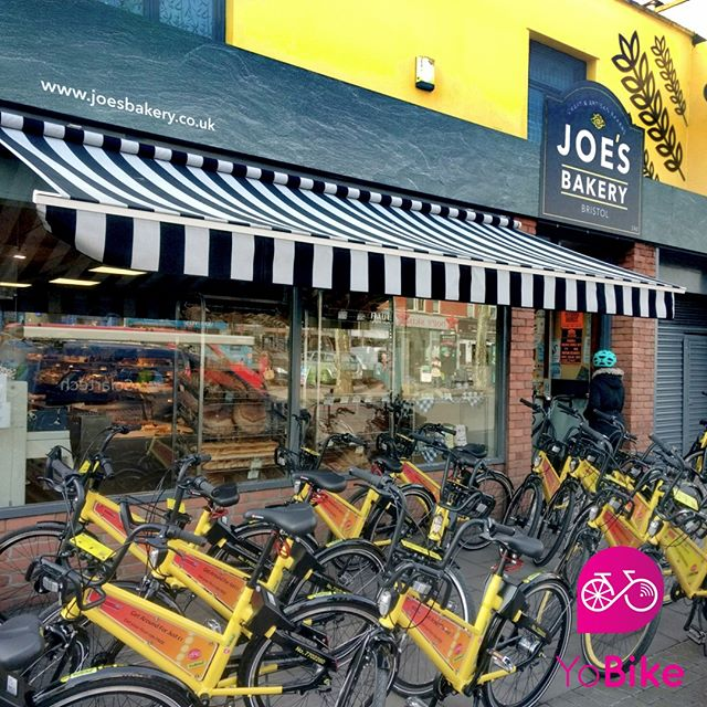 Every few months #YoBike give #freerides to new #UWE #students so they can partake in the #Bristol #gastro tour. check out the queue at #joesbakery on Gloucester road.