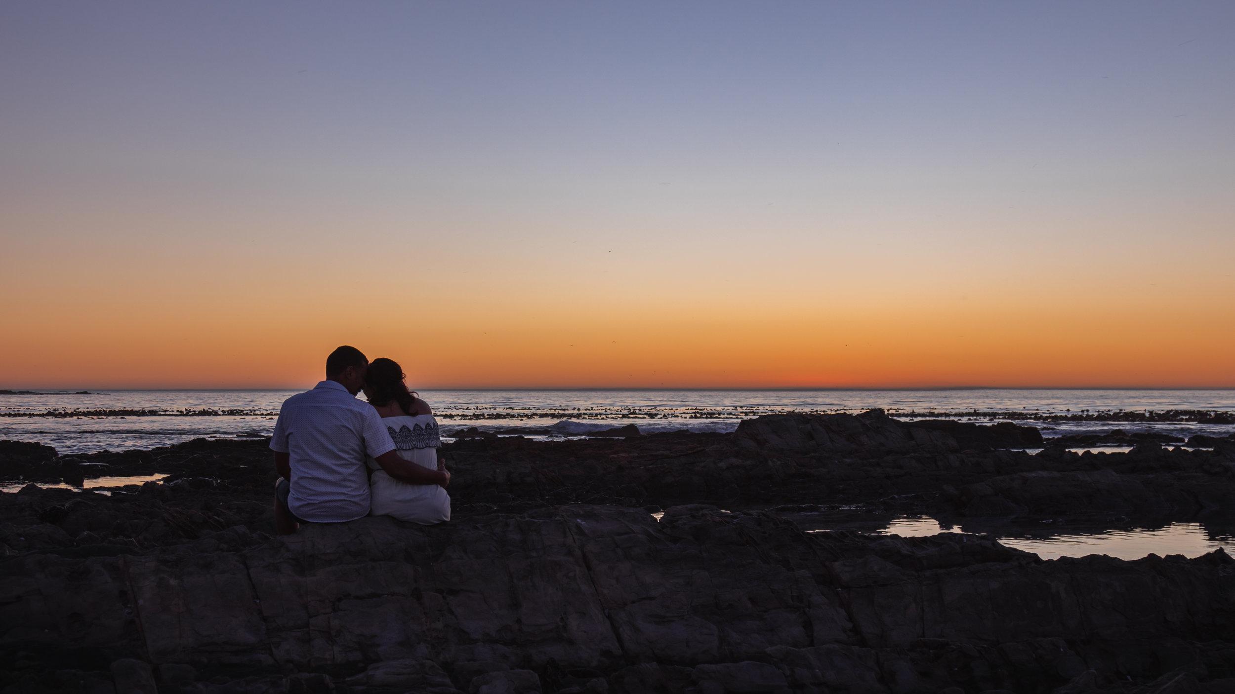 Carol Anne & Craig - Sunset Couples Shoot - Seap Point Cape Town - photo by Ken Treloar Photography-71.jpg